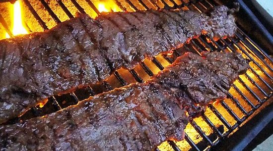 Grilling-Skirt-Steak